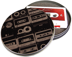 Cassettes in printed metal tins